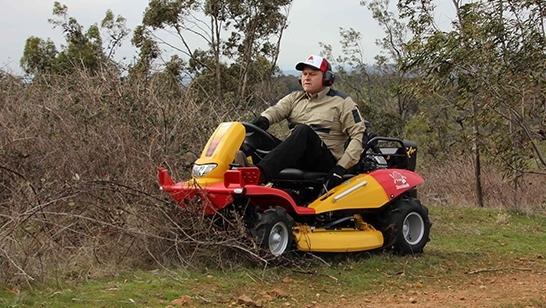 Razorback CMX1808 brush clearing